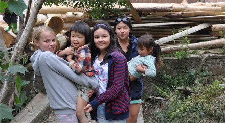 travel with kids to laos