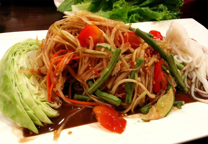 Tam Mak Hoong - Spicy Lao papaya salad